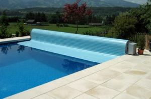 Schwimmbad schweiz swimmingpool royal pool schwimmbad for Swimmingpool verkleidung