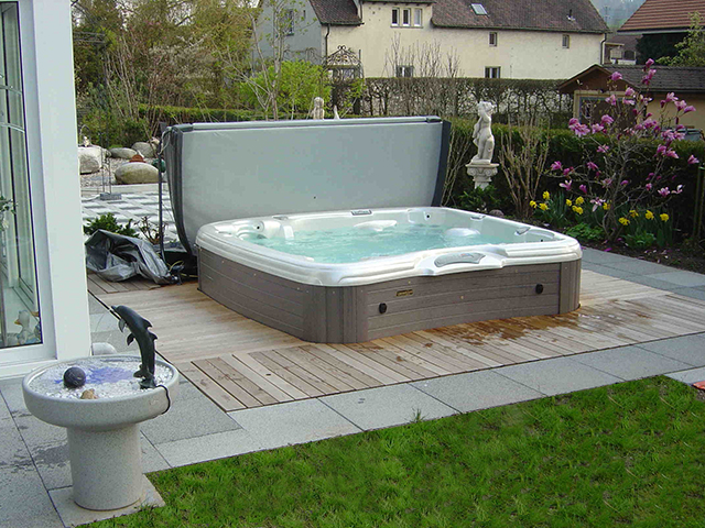schwimmbad schweiz swimmingpool royal pool schwimmbad schweiz bildgalerien whirlpool. Black Bedroom Furniture Sets. Home Design Ideas